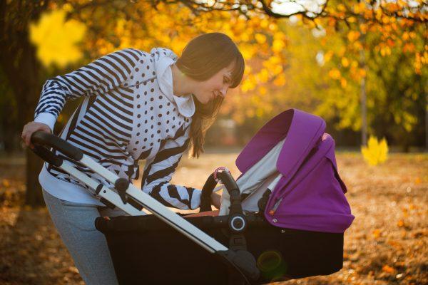 Hoe houd je jouw baby warm in de kinderwagen?